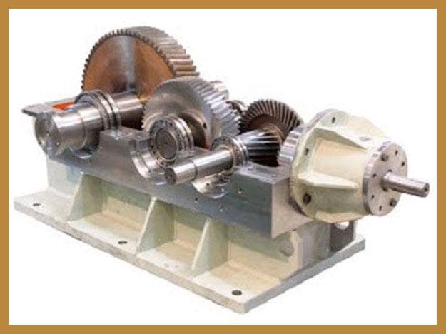 گیربکس هلیکال یا شافت مستقیم (Helical Gearbox)